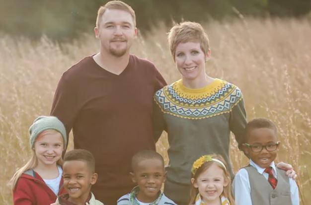 Julia, o marido e os cinco filhos